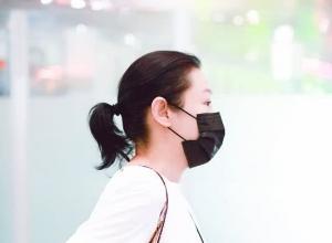 刘若英否认怀孕传言:不是真的,但我希望是真的